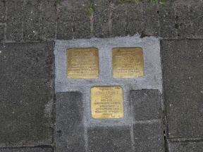 Familie Frenk, Arie Salomon Nathan Frenk, Geertje Frenk, Nathan Lazarus Frenk - Sumatrastraat 19 - Stolpersteine Enschede.