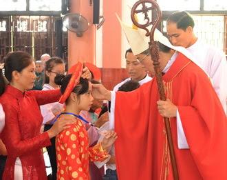 Giáo xứ Ninh Bình: 133 Kitô hữu được lãnh nhận Bí tích Thêm sức
