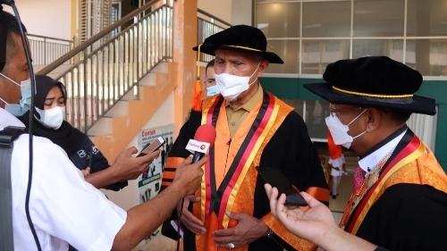 Gubernur Sumbar Bangga PNP Miliki Guru Besar Pertama Politeknik di Sumatera.