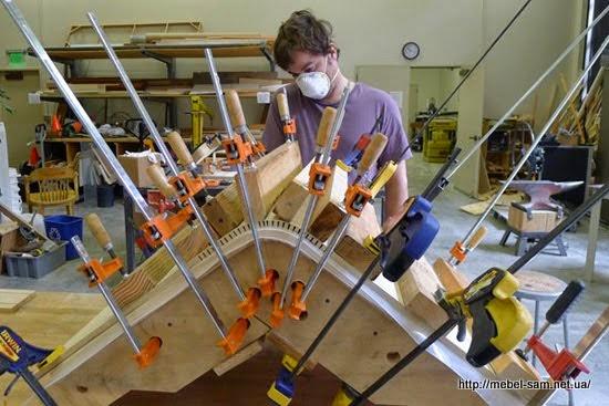 Процесс склейки сиденья спинки