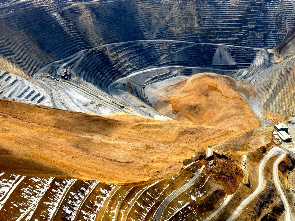 bingham-canyon-mine-landslide-7