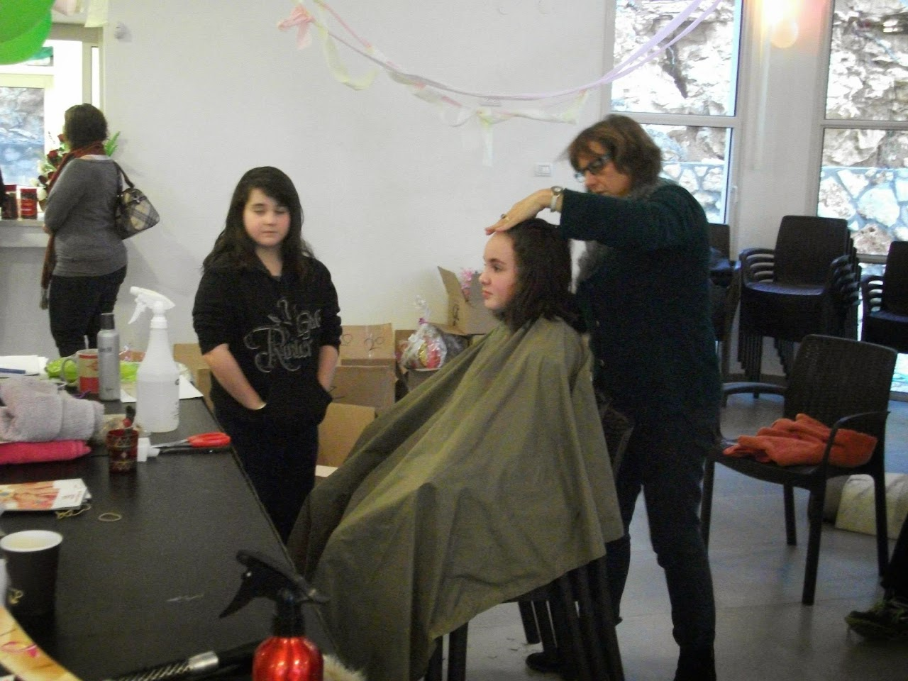 Donating hair for cancer patients 2014  - 1957871_539677186148579_1242473103_o.jpg