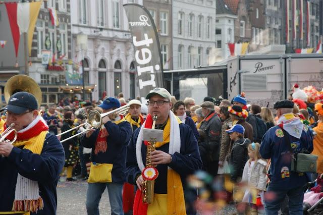2012-02-19 tm 21 Carnaval in Oeteldonk - DSC04128.JPG
