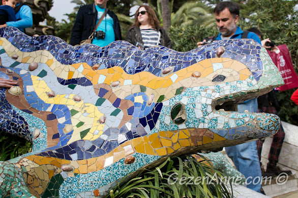 Barselona'nın simgelerinden ejderha heykeli, Park Güell Barselona