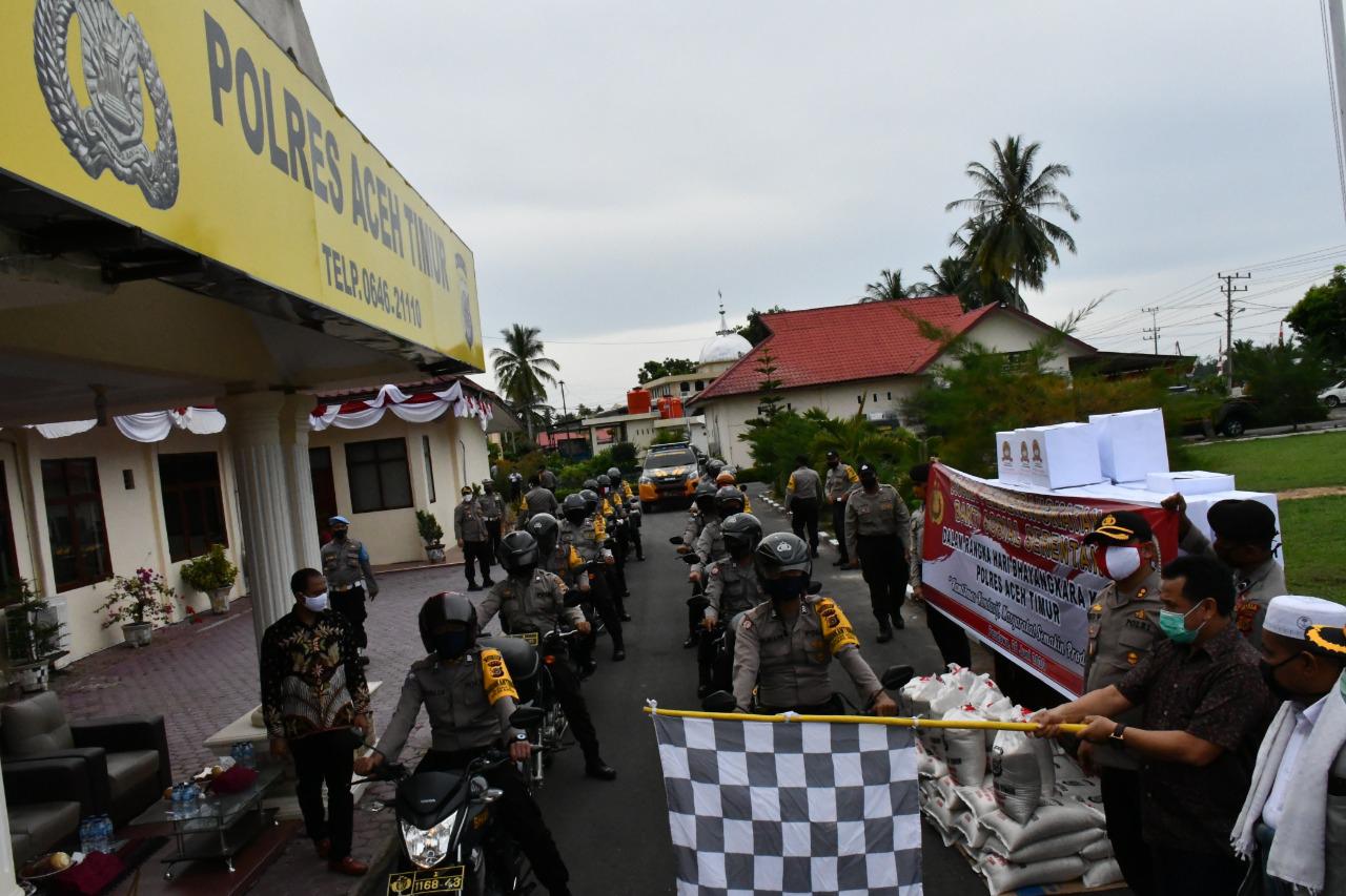 Sekda Aceh Timur Melepas Pemberangkatan Bakti Sosial Serentak Hari Bhayangkara Ke 74 Polres Aceh Timur