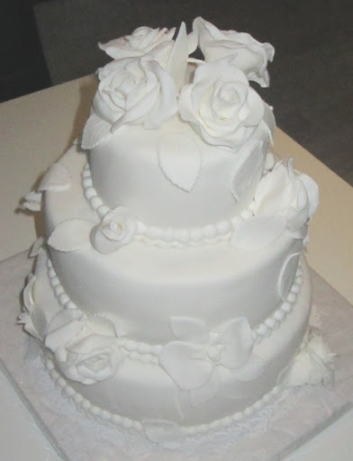 901- Bruidstaart wit zijkant.JPG