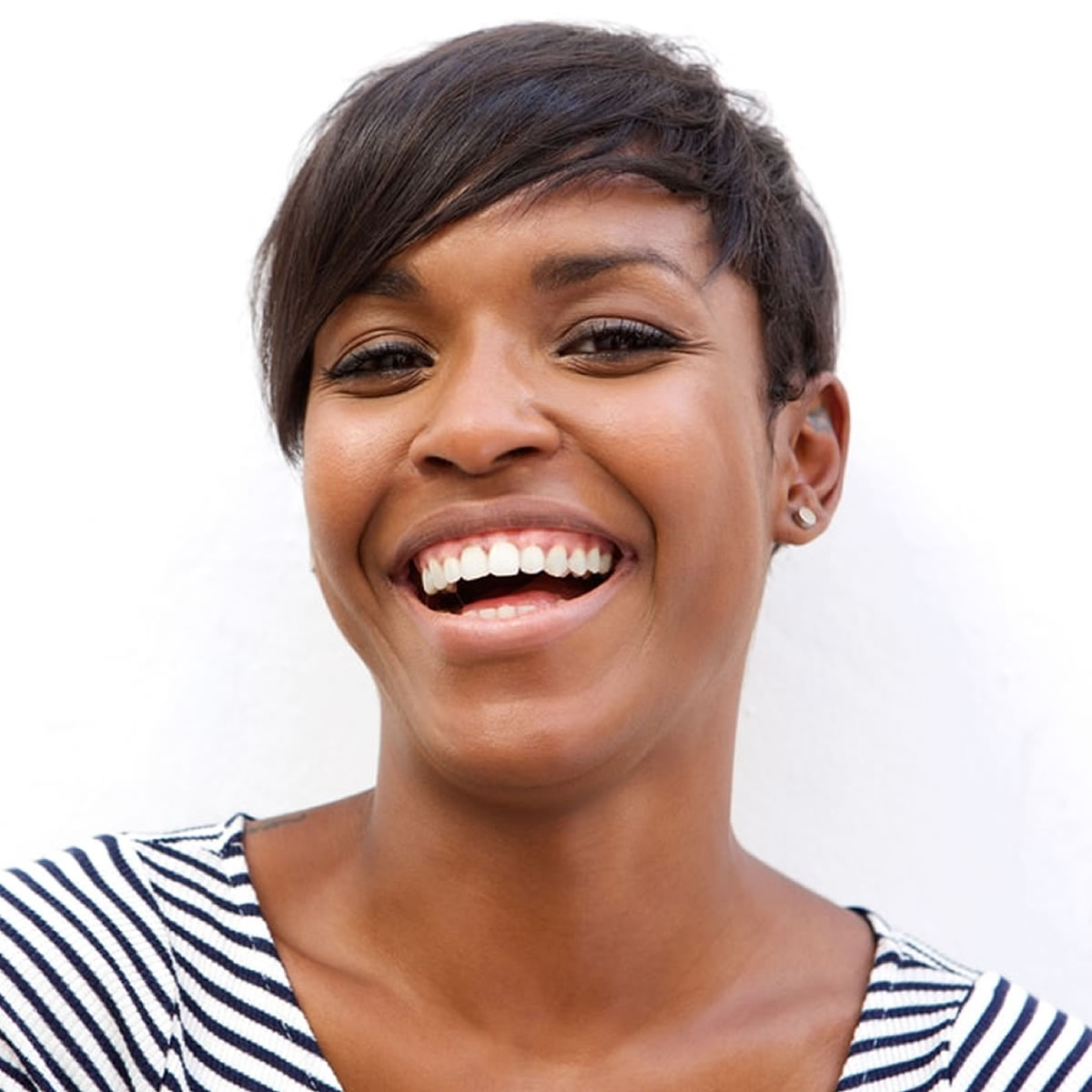 very short pixie hairstyles 2019-black woman Super short ...