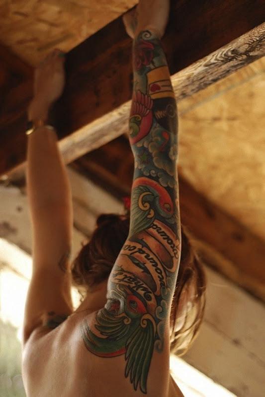 esta_tatuagem__uma_das_maiores_que_eu_j_vi_ele_cobre_todo_o_braço_e_inclui_at_mesmo_uma_parte_das_costas