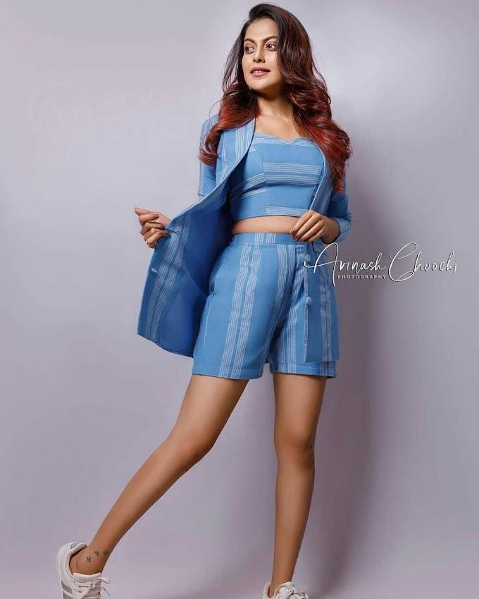 Malayalam Actress Anusree Glamours Photoshoot