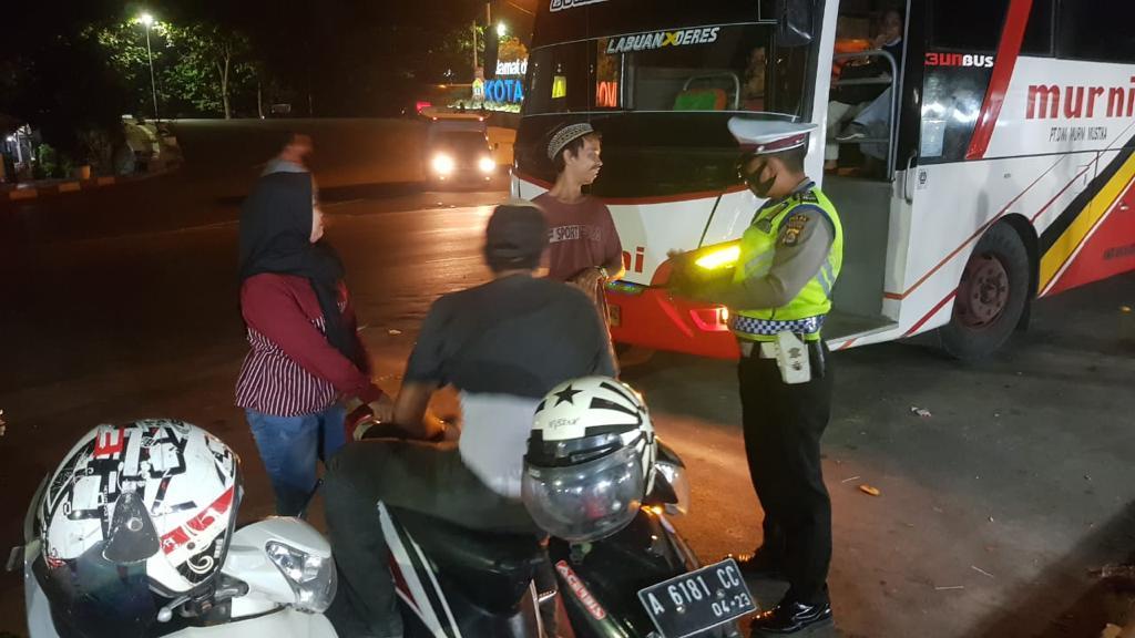 Melalui KKYD, Ditlantas Polda Banten Beri Himbauan Prokes di Terminal Pakupatan
