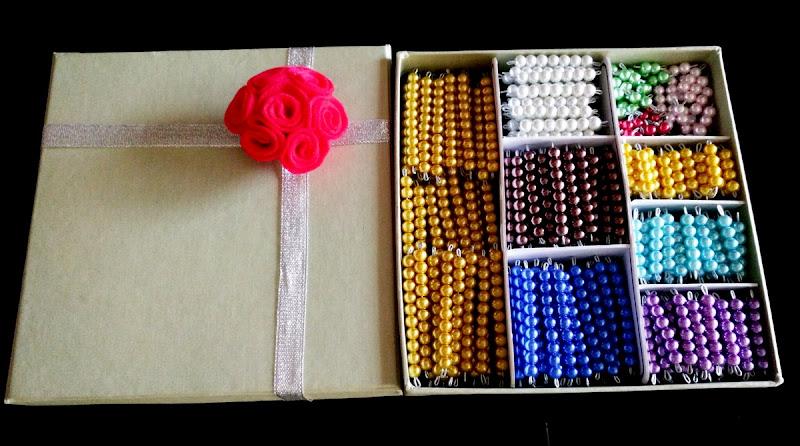 Kotak sekat Montessori Beads