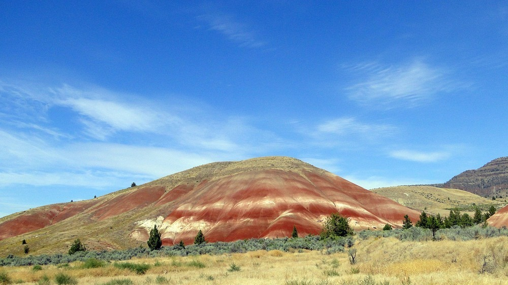 painted-hills-oregon-1