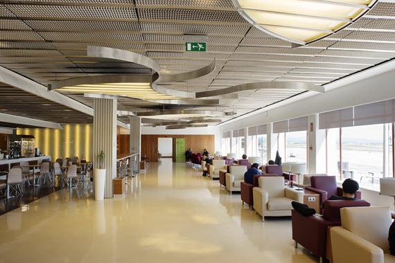 El Aeropuerto de Barajas estrena sus 5 renovadas salas VIP