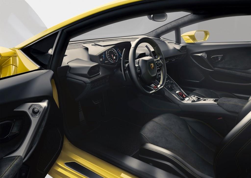 Lamborghini Huracan Interior 1