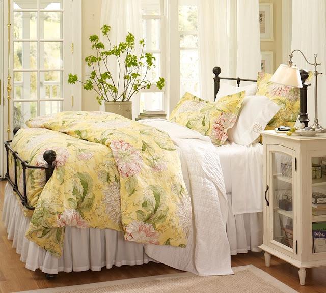 Постельное белье должно гармонично вписываться в интерьер спальни