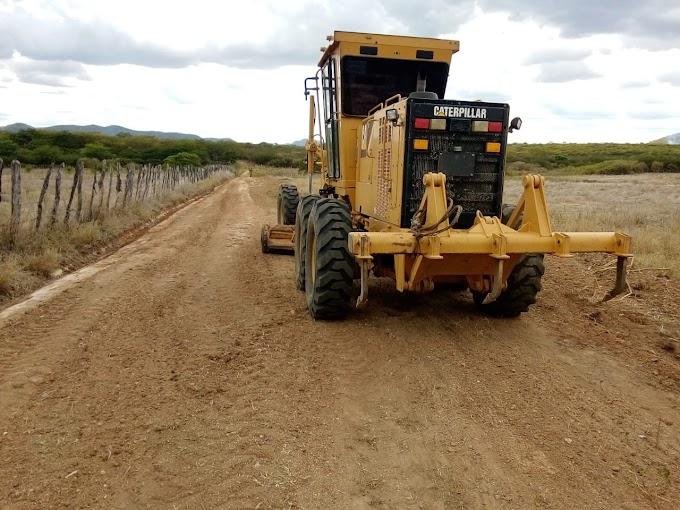 Sandrinho afirma que recuperação das estradas da zona rural terão prioridade em sua gestão