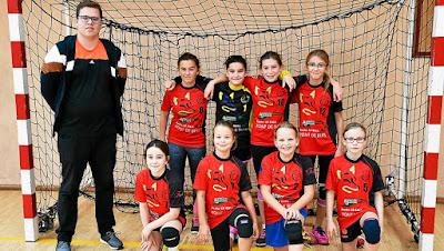 Les trois équipes féminines faisaient leur début à domicile (ici les -13 équipe 2)