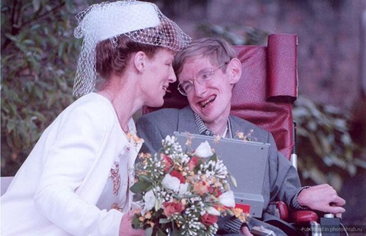 Prof. Stephen Hawking with his bride after the wedding at Cambridge Registery Office
