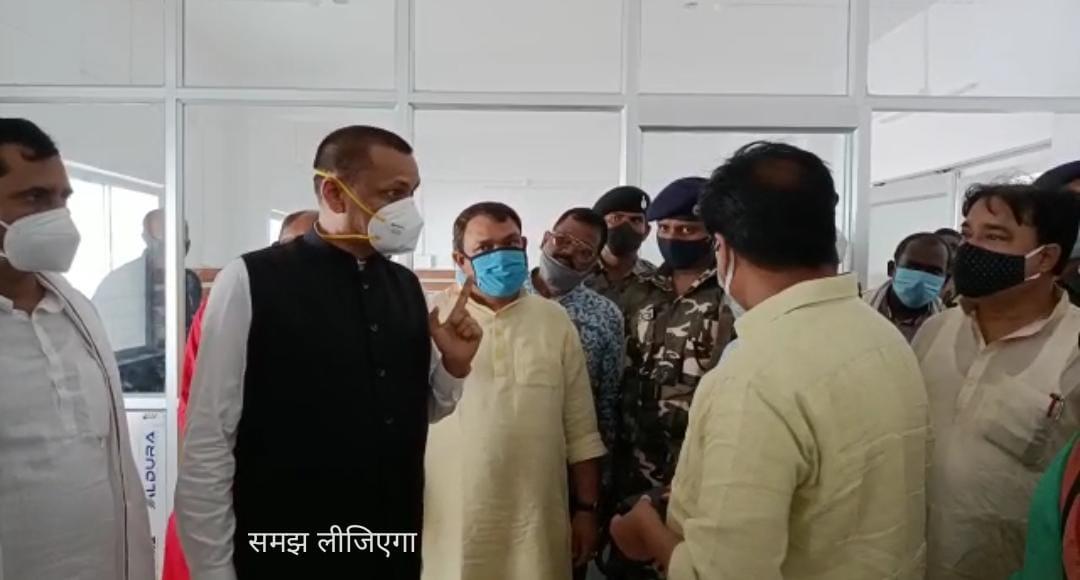 पत्रकार का मोबाईल छीनने पर माफी मांगे भाजपा मंत्री- माले चौथे खंभे पर जोर-जुल्म निंदनीय- सुरेन्द्र।