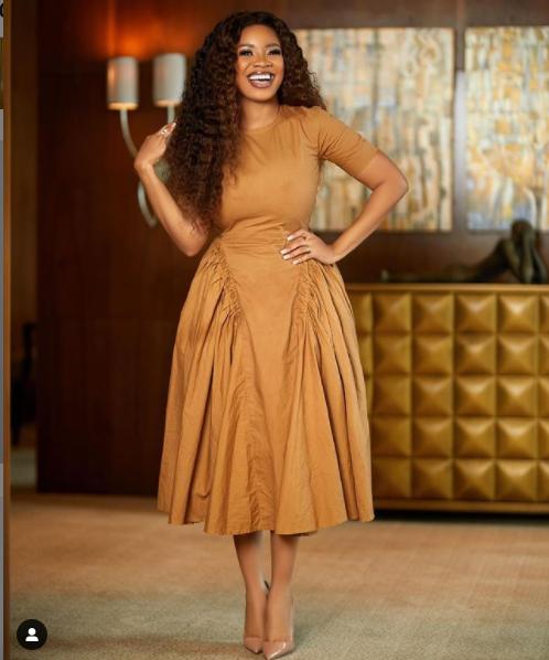 How to look Elegant like Serwaa Amihere - 17+ outfits