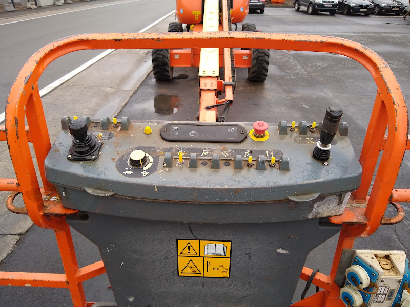 Picture of a JLG 660SJ