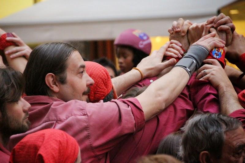 Actuació 20è Aniversari Castellers de Lleida Paeria 11-04-15 - IMG_9011.jpg