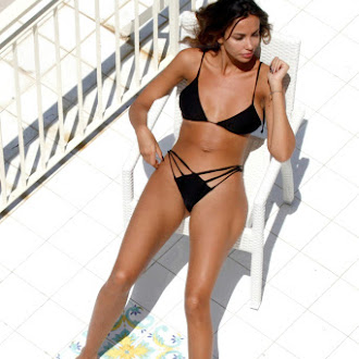 Madalina Ghenea Bikini candids in the Amalfi Coast July 27-2016 040.jpg