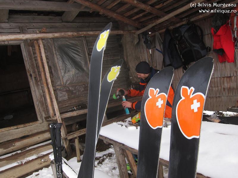 2014.12.03 - Iezer - Pe schiuri pana pe vf Batrana