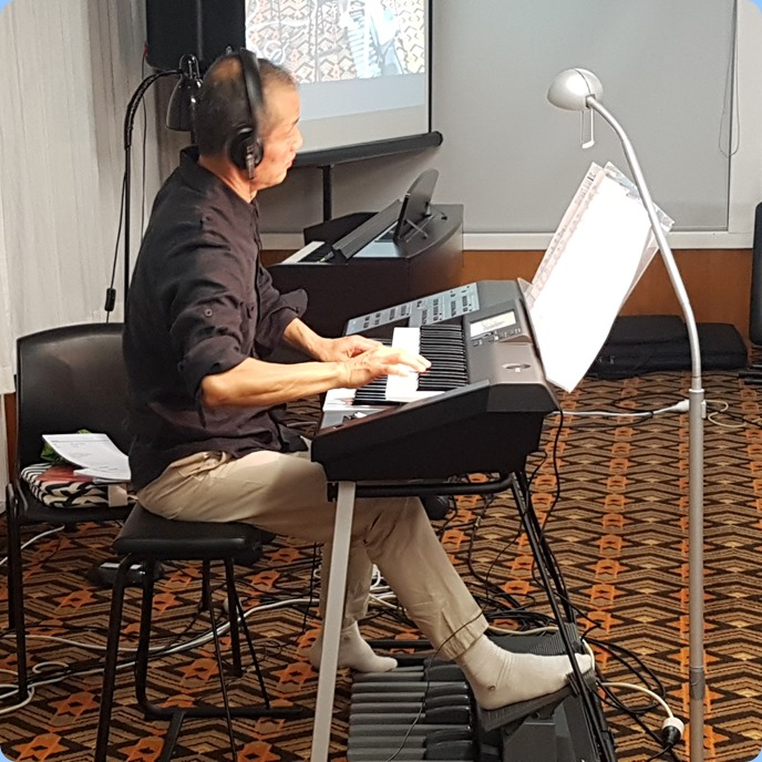 Taka Iida played his Yamaha Stagea Portable keyboard for us in Concert. Taka played various genre sets in his magnificent 12 song performance.