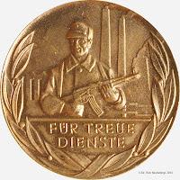 205b Medaille für treue Dienste in den Kampfgruppen für 20 Dienstjahre www.ddrmedailles.nl