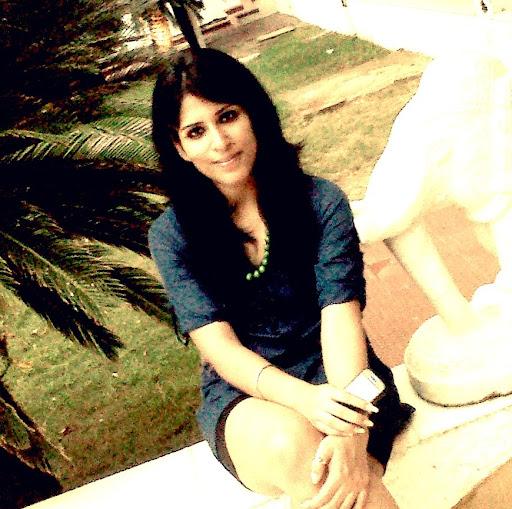Karishma Chopra Photo 17