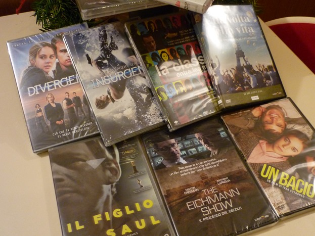 Donazione libri e dvd biblioteca Natale 2017 (2)