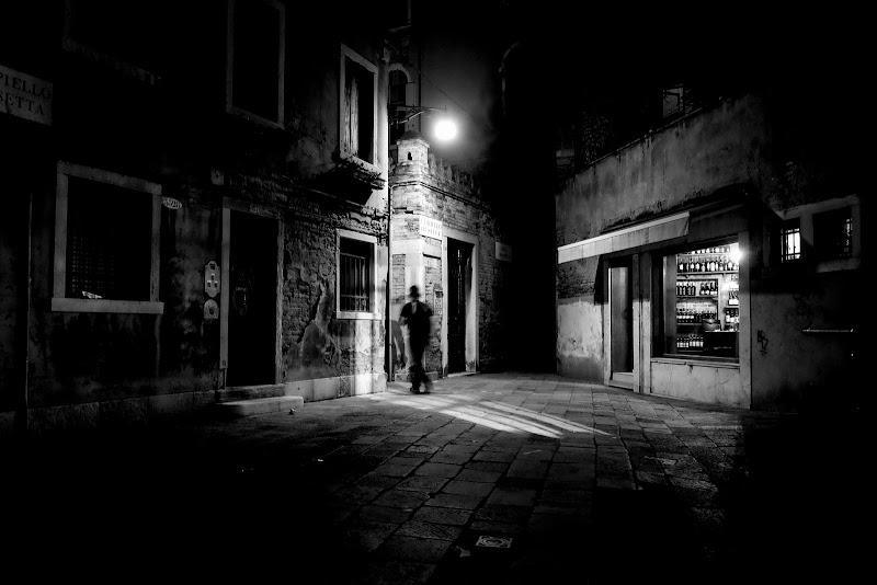 passi nella notte di elisabetta_de_carli