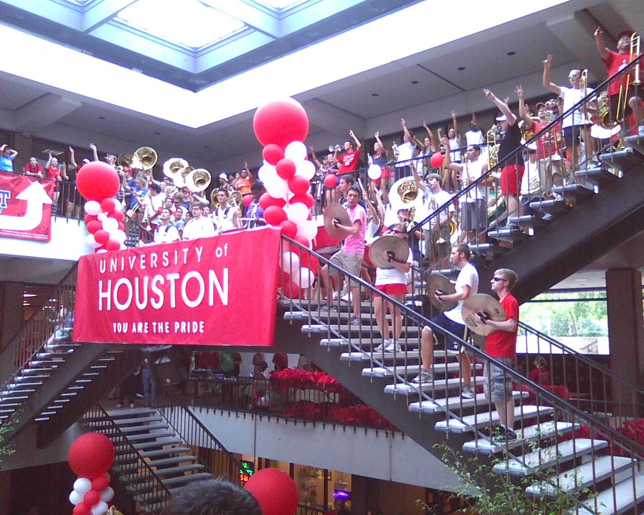 UH Welcome Back Staff Rally - Photo08191340.jpg