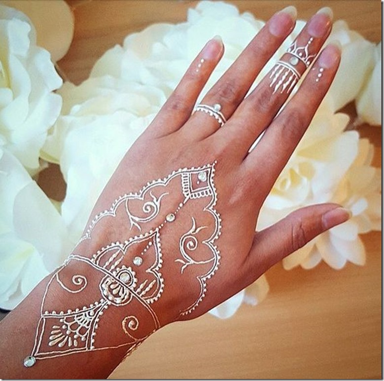 35 Latest White Henna Designs That Will Look Fabulous On Hands