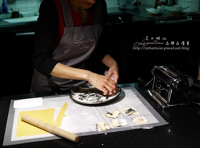 11 雙色義大利餃鑲鮭魚