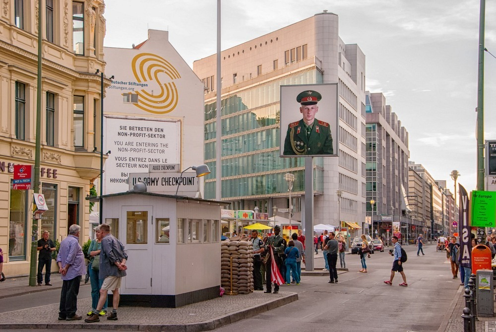 checkpoint-charlie-9
