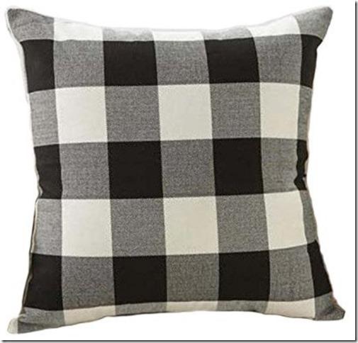 buffalo check pillow, fall throw basket, basket, farmhouse, farmhouse style, cottage, cottage style , fall pillows