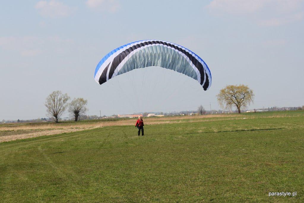 Szkolenia paralotniowe Kwiecień 2011 - IMG_5325.JPG