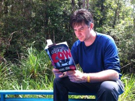 Rob czytający książkę