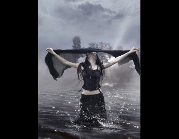 Witch In Black Waters, Pretty Witches