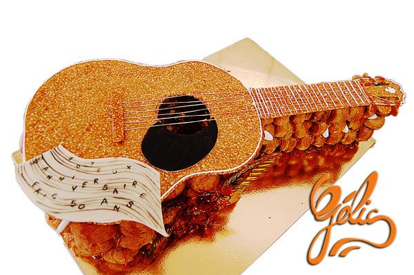choux-nougatine-guitare-ptt.jpg