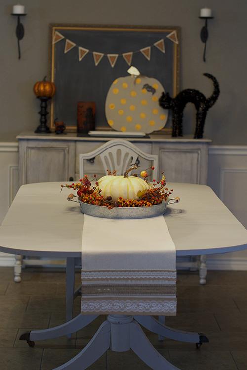 Dining room burlap table runner for fall