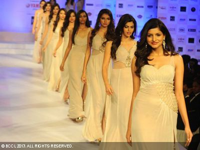 2013: Pond's Femina Miss India, Delhi, 2013 contestants walk the ramp