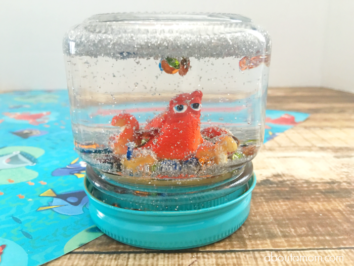 DIY-Glitter-Globe-Featuring-Hank-from-Finding-Dory