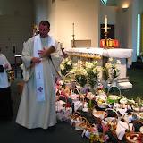 4.23.2011 Święcenie pokarmów w Wielką Sobotę w kościele MOQ, w Norcross. Typowe koszyki wielkanocne - IMG_7866.JPG