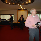 Daar aangekomen kwam er steeds meer familie en vrienden van Rudie. Ook een groot aantal fotografen kwamen de raadzaal binnen.