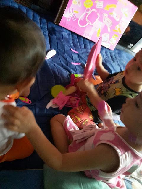 Anak-anak minta main doktor-doktor !