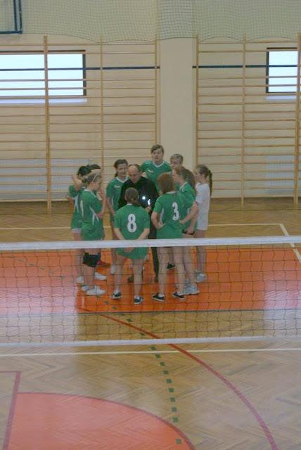 Zawody siatkarskie dziewczat 1 marca 2011 - DSC09306_1.JPG