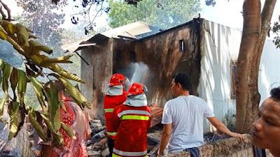 Kebakaran Hebat Hanguskan Rumah Di Petapahan Tapung, Beruntung Tak Ada Korban Jiwa